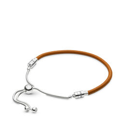 Moments Sliding Leather Bracelet, Golden tan, Sterlingsilver, Läder, Brun, Kubisk zirkonia - PANDORA - #597225CGT